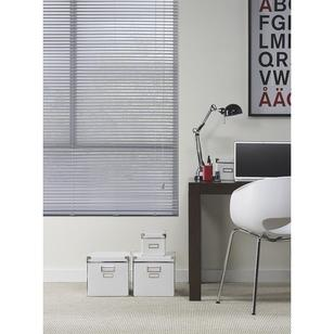 Caprice 25 mm Silver Aluminium Venetian Blind Silver – Everyday Bargain