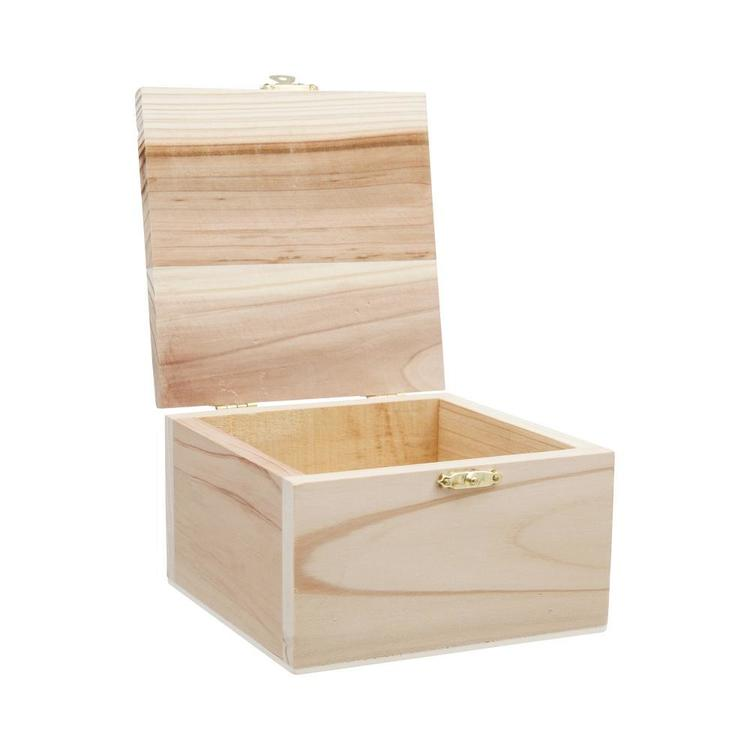 Shamrock Craft Box With Catch