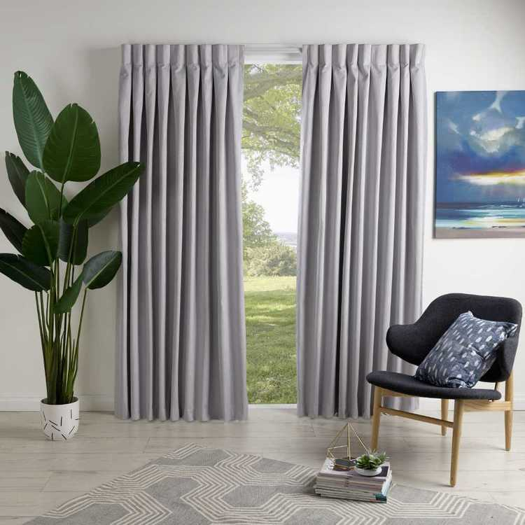 Filigree Westbury Inverted Pinch Pleat Curtain