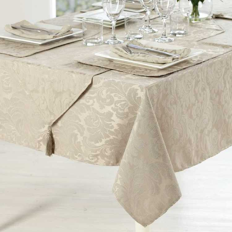 Hyde Park Evie Damask Tablecloth