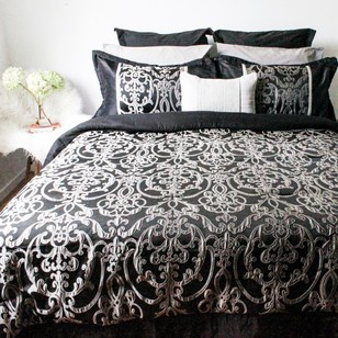 Cohere Kenliegh Comforter Set