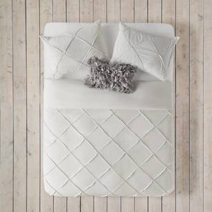 Bouclair Shiny Laetitia Quilt Cover Set