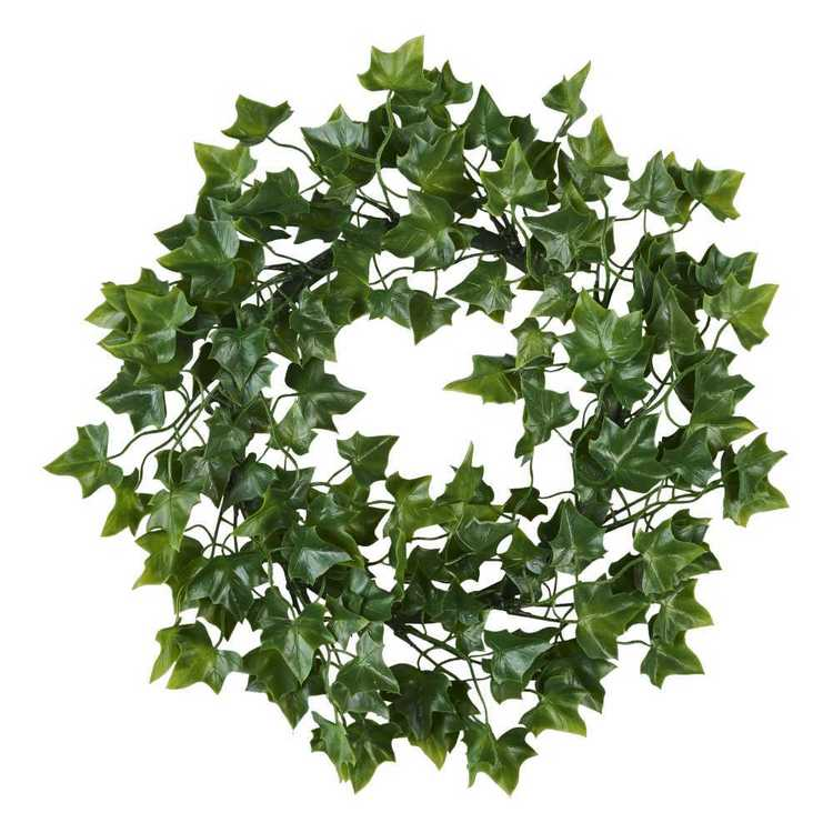 Plastic Ivy Wreath