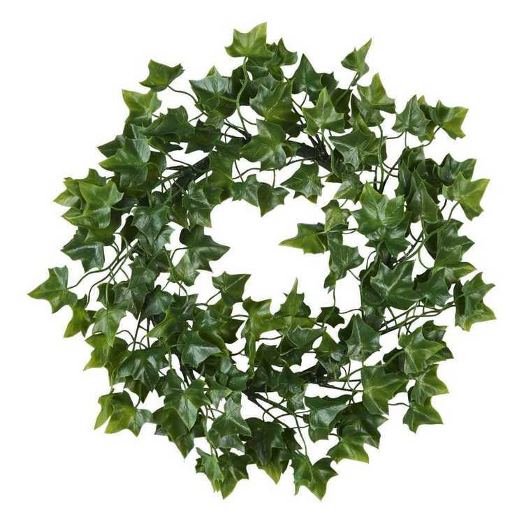 Plastic Ivy Wreath