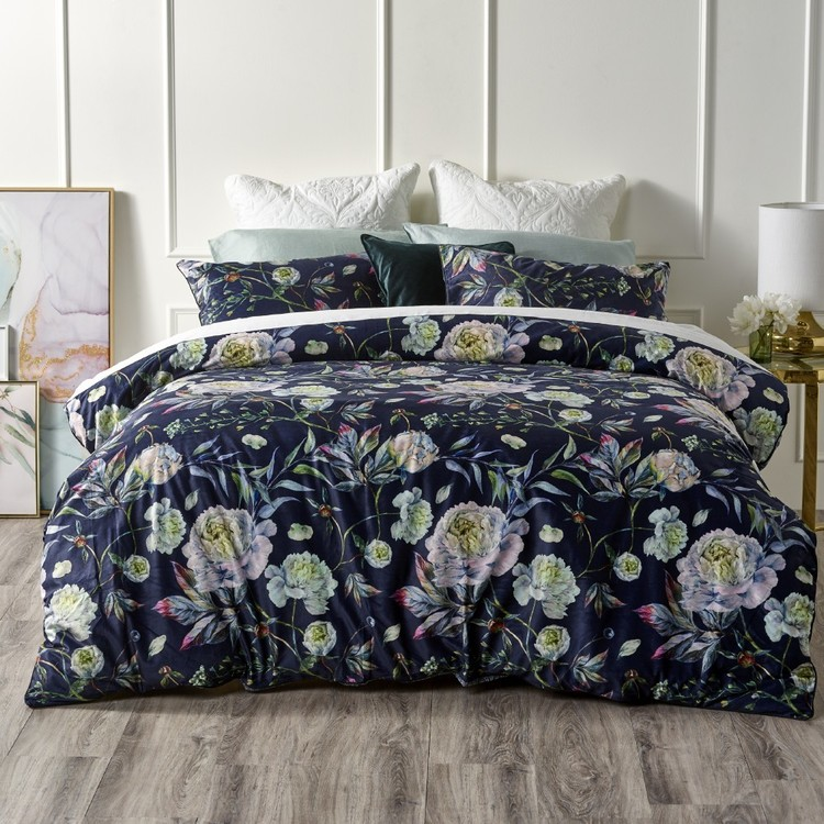 Ultima Leah Night Quilt Cover Set
