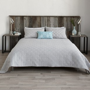 Bouclair Modern Chic Bed Isle Coverlet
