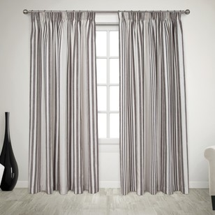 Que Bradley Pencil Pleat Curtains