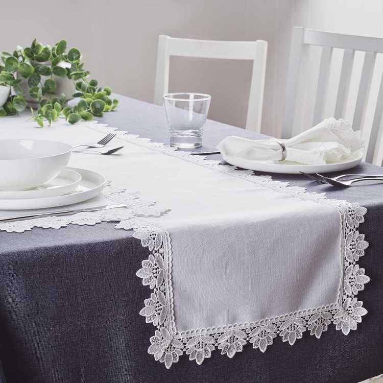 Koo Home Victoria Lace Table Runner