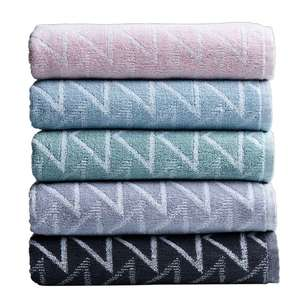 Mode Jacquard Cameo Bath Towel