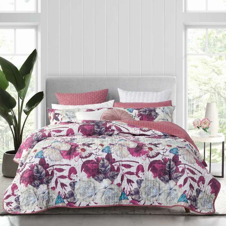 Logan & Mason Adele Quilted Coverlet