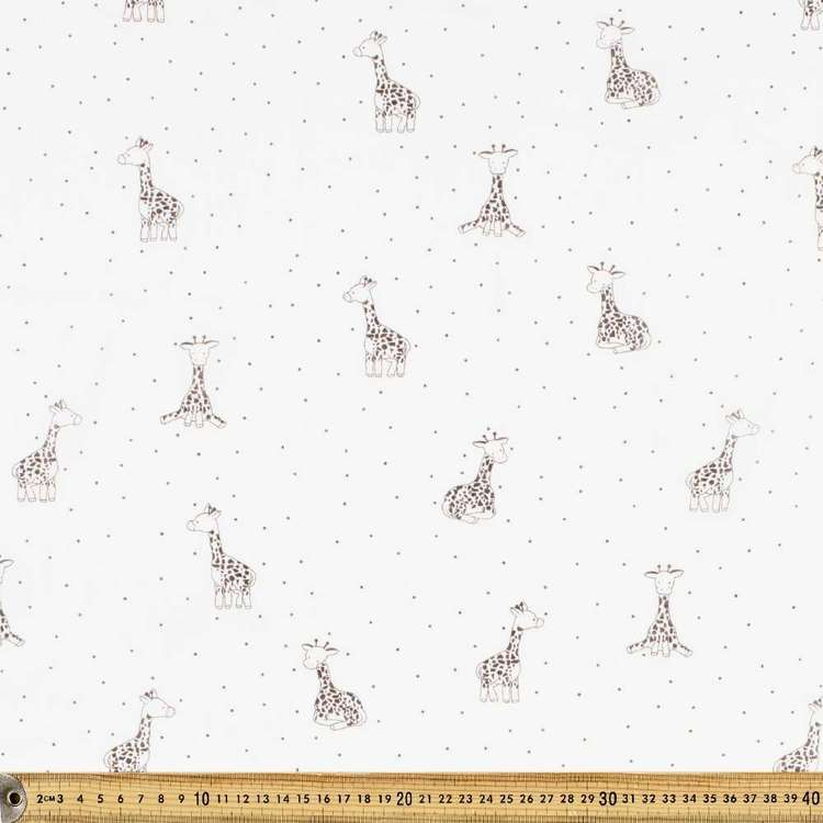 Giraffe Printed 138 cm Muslin Fabric