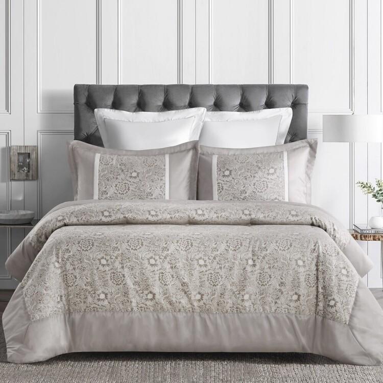 Belmondo Evelyn Jacquard Comforter