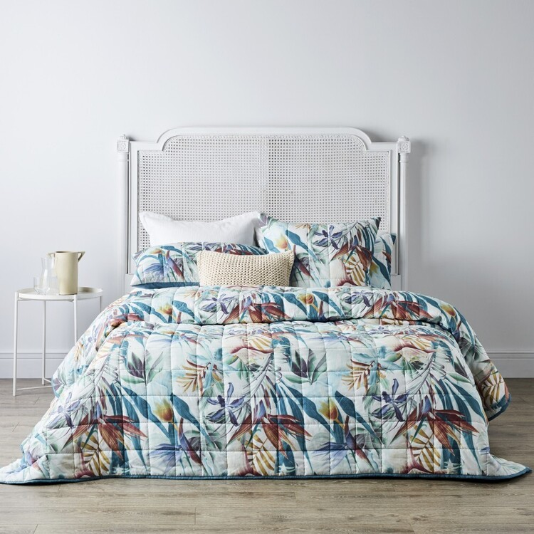 Logan & Mason Maui Quilted Coverlet