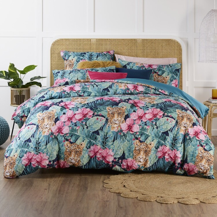 Esque Sumartra Quilt Cover Set