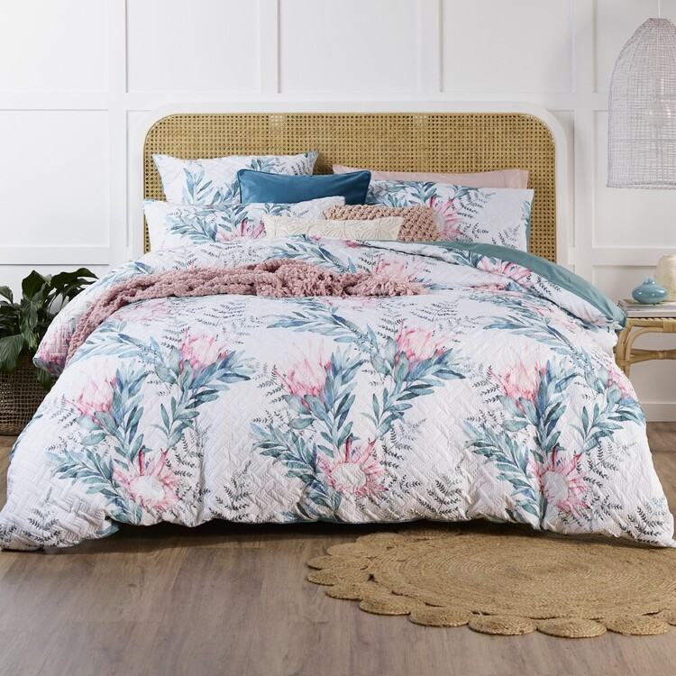 Esque Protea Quilt Cover Set