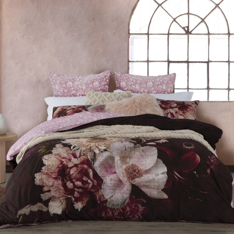 Logan & Mason Rosetta Quilt Cover Set