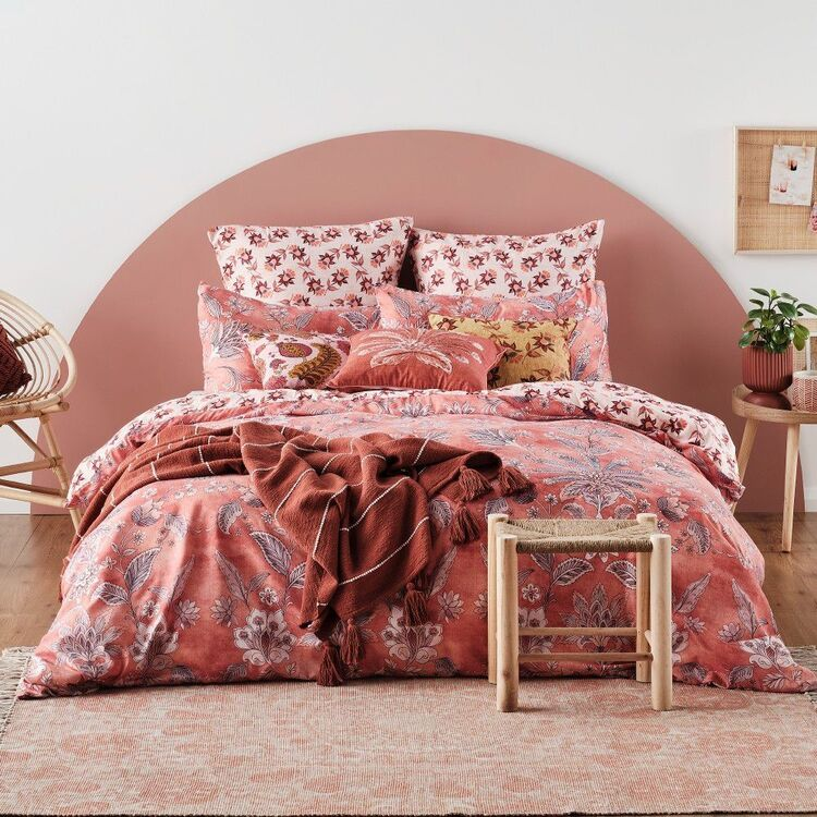Ombre Home Wild Flower Tuscan Quilt Cover Set Burgundy