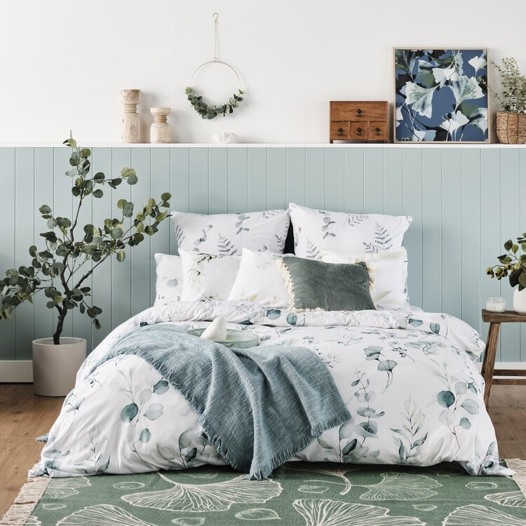 Ombre Home Country Living Green Botanic Quilt Cover Set