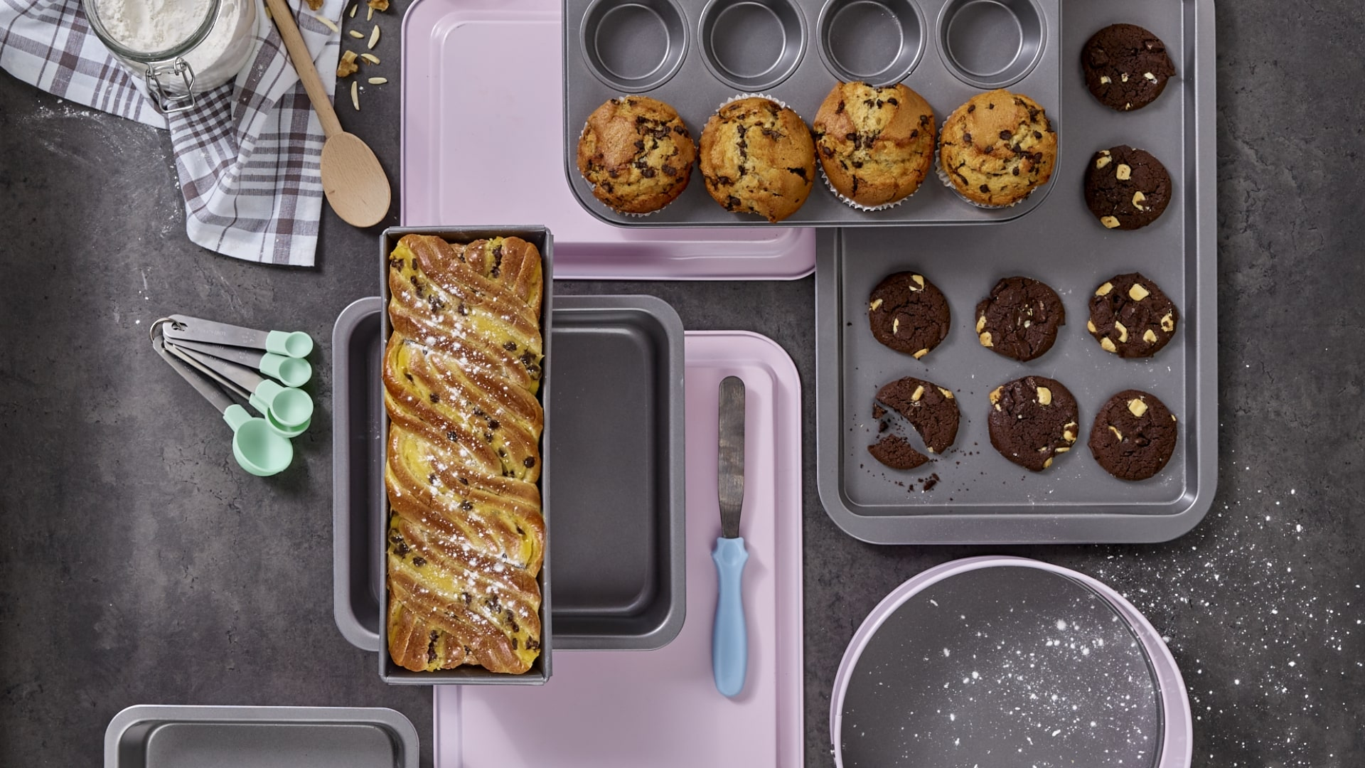 Choosing The Right Baking Tins, Pans & Sheets