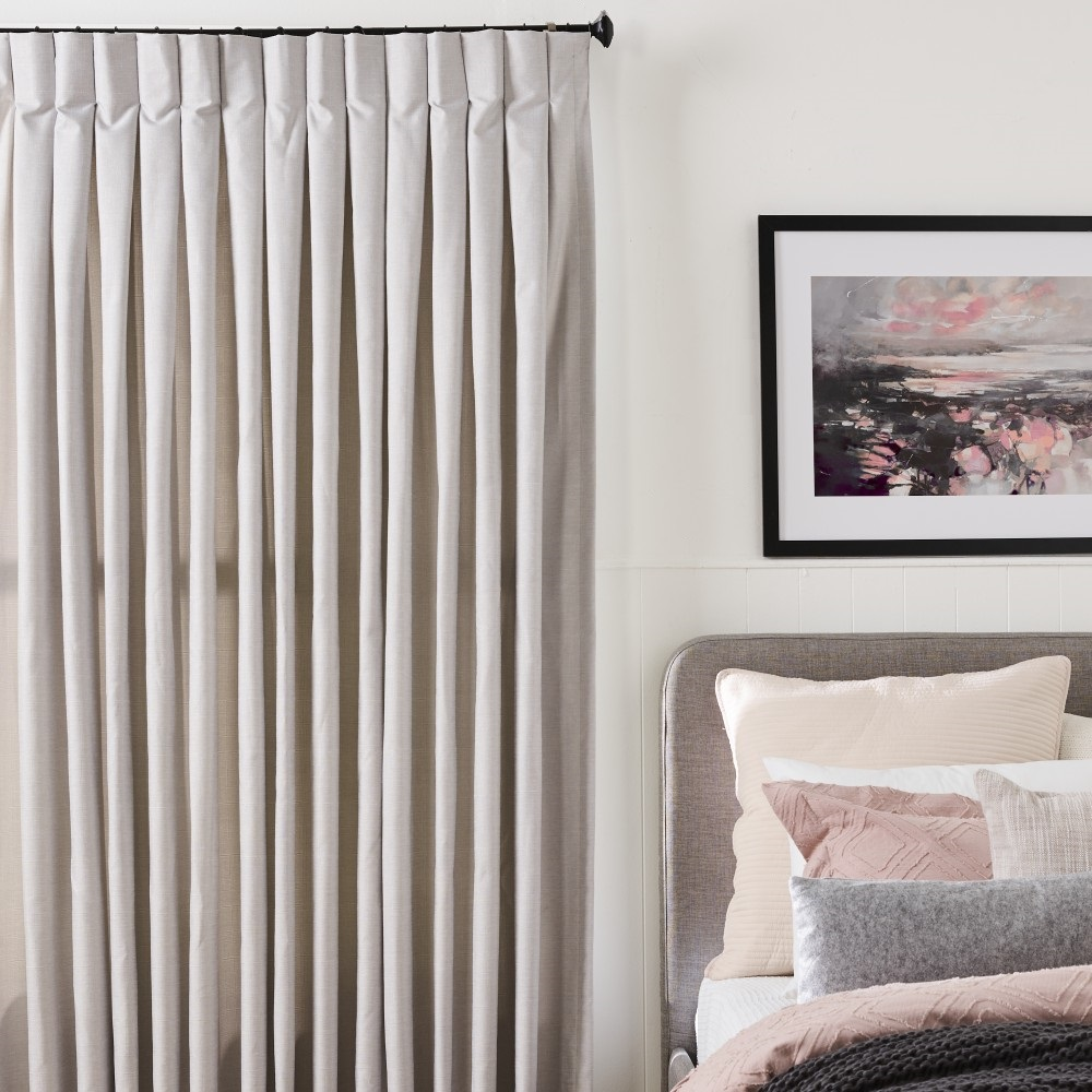 Dress Up Your Bedroom With Curtains