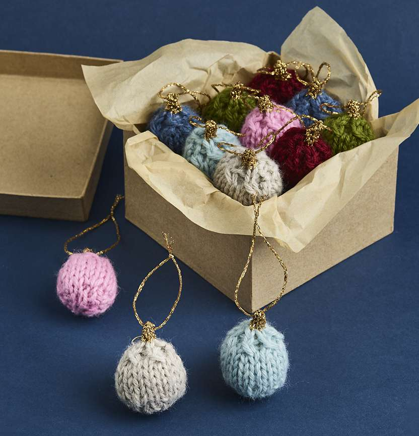 Christmas Knit Baubles Project