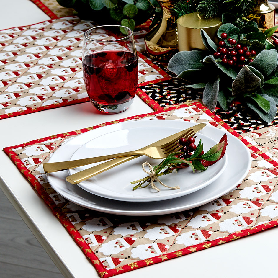 Christmas Sparkle Table Setting Project