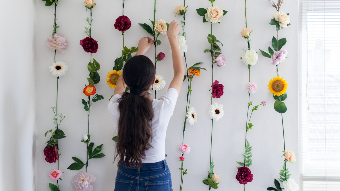 These DIY flower dangles are super pretty & easy to make