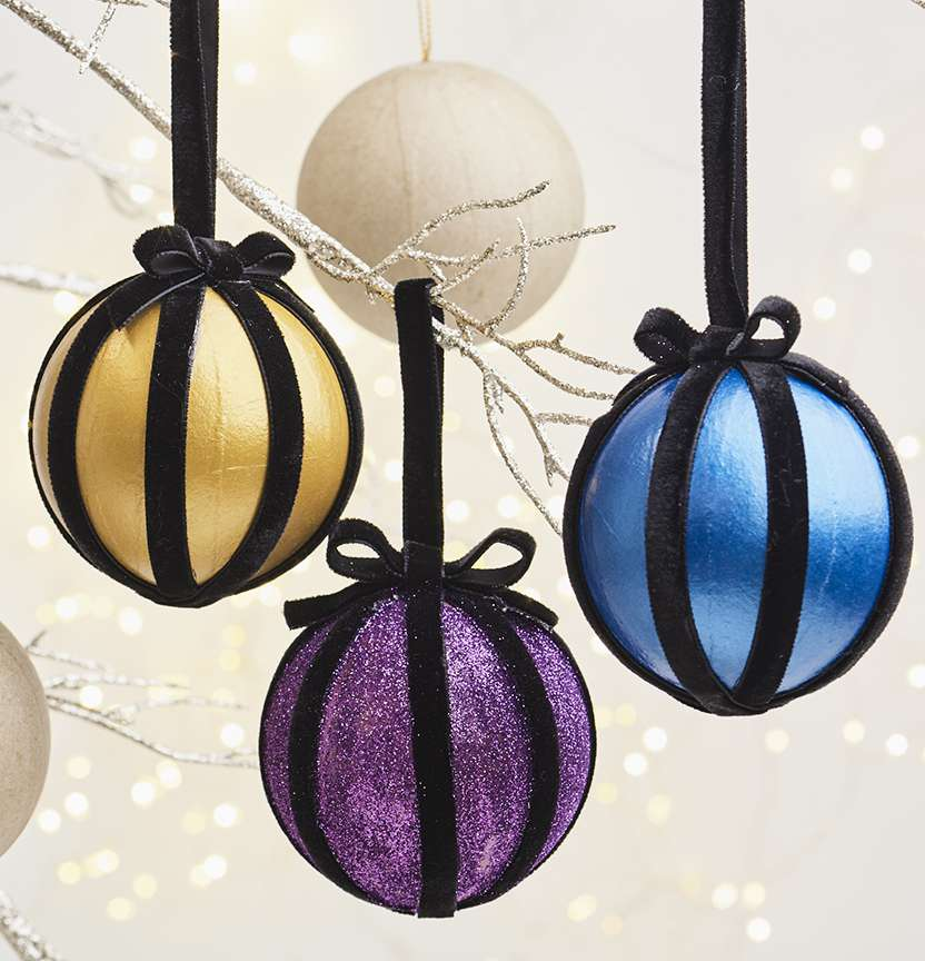 DIY Paper Mache Glam Luxe Baubles Project
