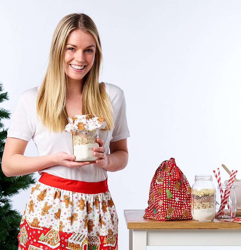 Gingerbread Apron & Jar Covers Project