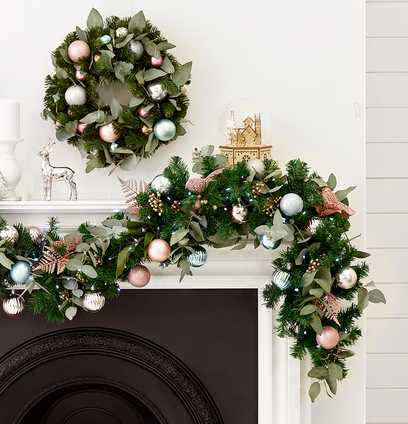 How To Decorate A Garland & Wreath Project