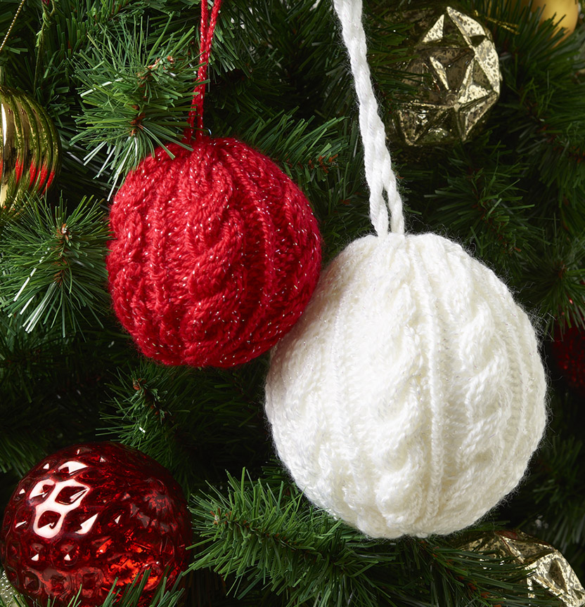 Kringle Sparkle 8Ply Cable Bauble Project