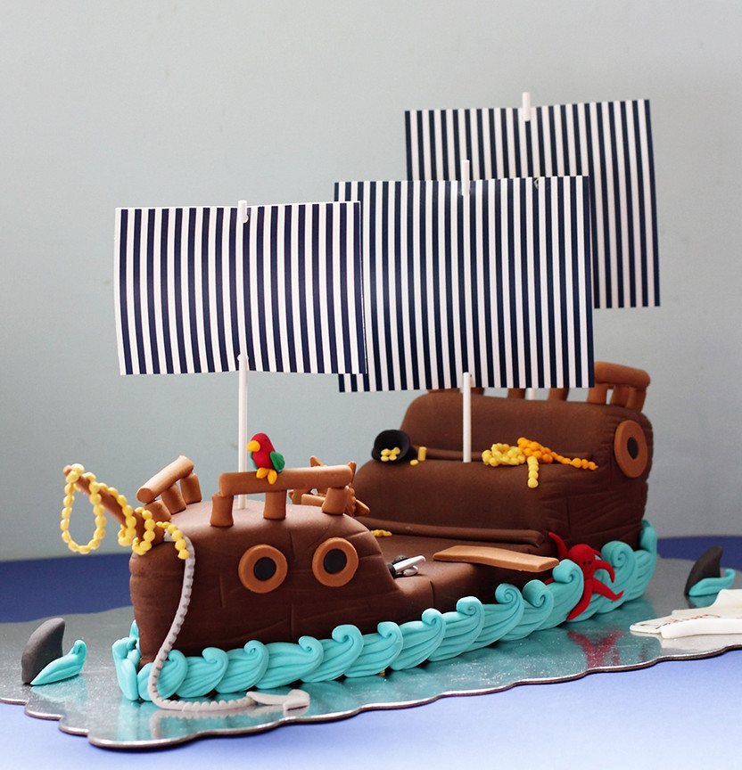 Pirate Ship Cake Project
