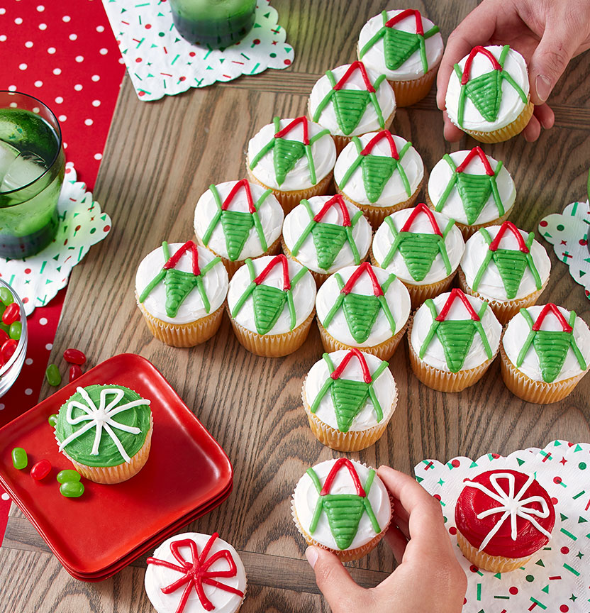 Red & Green Pull Apart Cupcakes Project