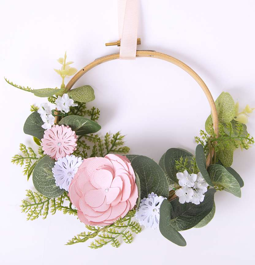 Sizzix Floral Wreath Project