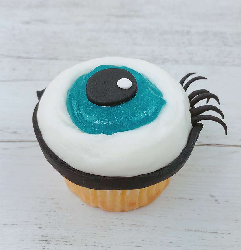 Slime Eyeball Cupcakes Project