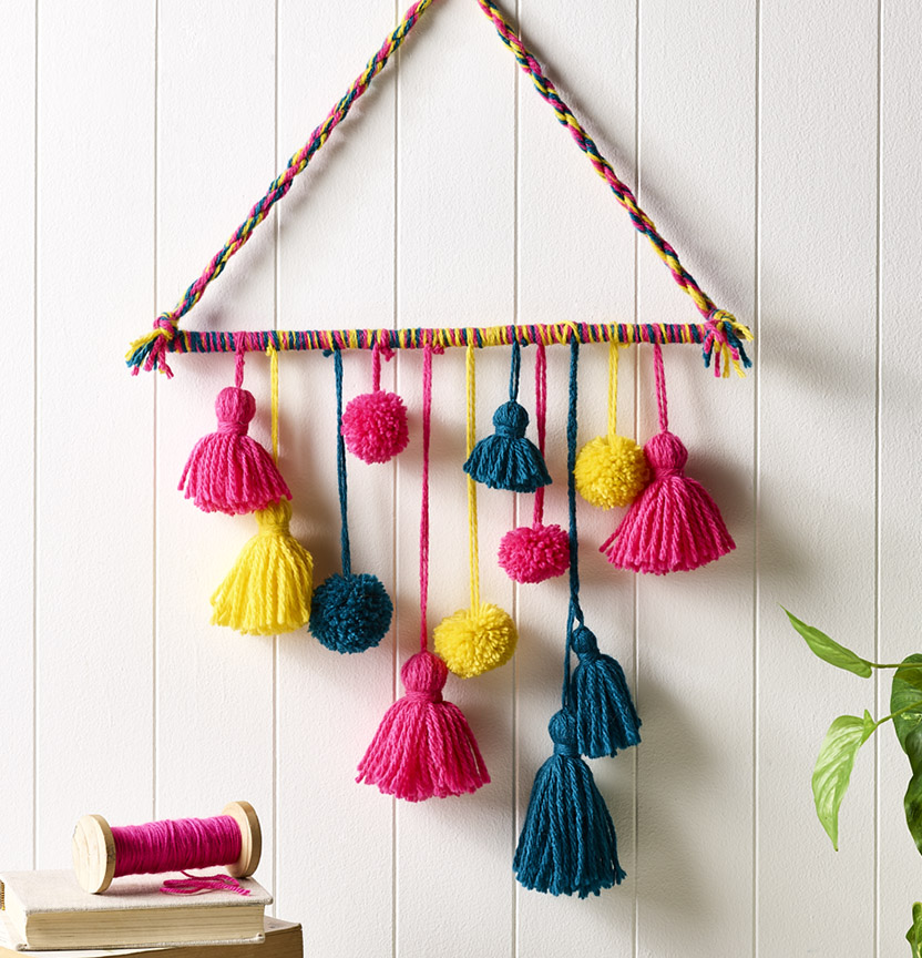 Tassels & Pom Pom Wall Deco Project